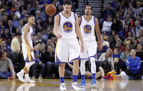 NBA: Warriors zdolali Dallas, Curryho zatienil Thompson
