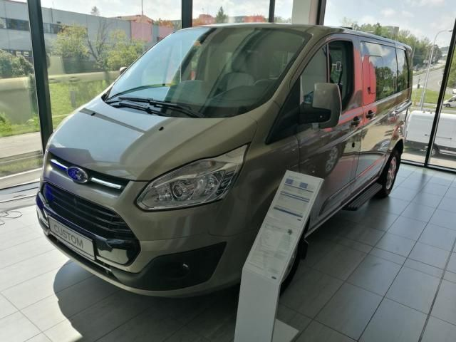 ford tourneo custom l1 titanium travel 2 0tdci autovia sk. Black Bedroom Furniture Sets. Home Design Ideas