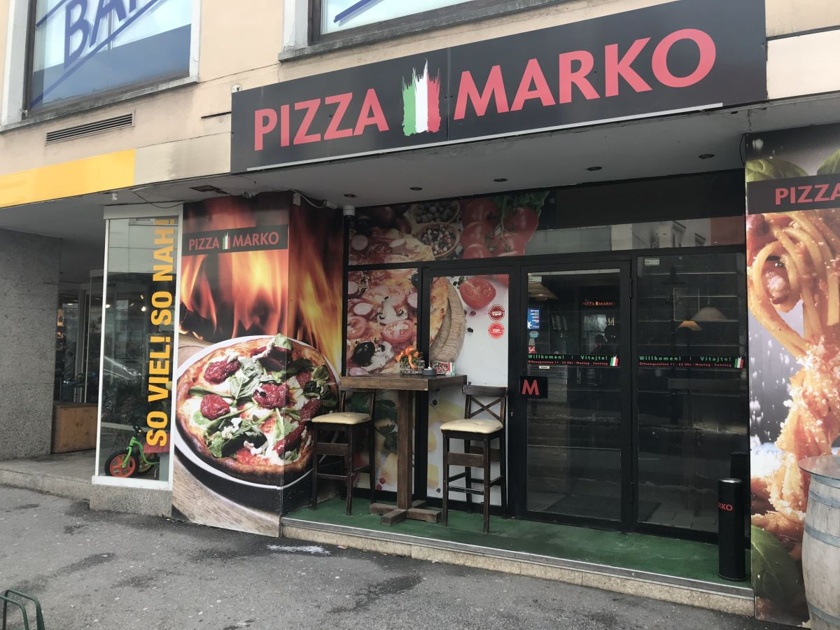 Pizzeria v centre Hainburgu